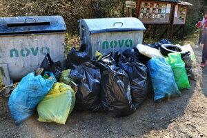 Časť odpadu, ktorý vytiahli z toku Hornádu pri poslednom čistení Prielomu, v októbri.
