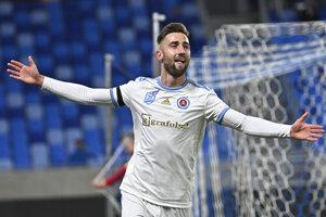 Andraž Šporar po strelenom góle v zápase 16. kola Fortuna ligy 2019/2020 ŠK Slovan Bratislava - ŠKF Sereď.