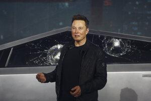 Elon Musk pri predstavovaní novej Tesly.