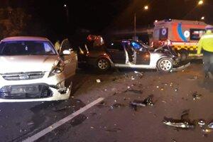 Pri nehode sa zranili dve ženy.