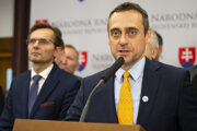 Sprava líder kandidátky Demokratickej strany Jozef Rajtár a člen predsedníctva strany Ľubomír Galko.