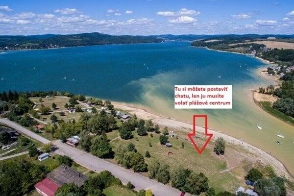 Chatári zverejnili, kde má stáť Plážové centrum ponúkané cez inzerát ako stavebný pozemok.
