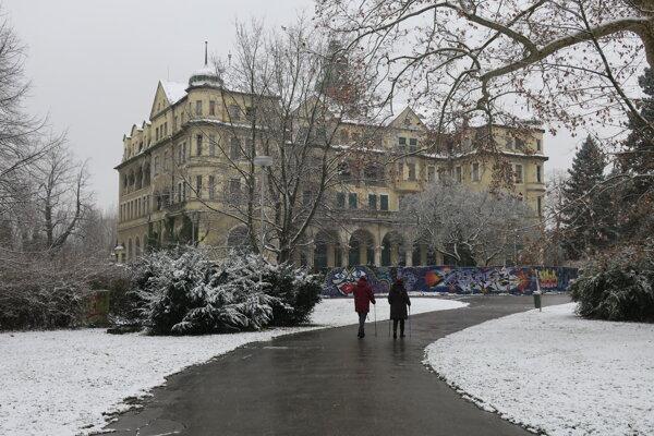 Bývalý hotel Slovan v Piešťanoch.