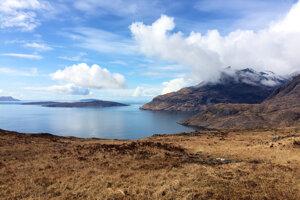 Škótsky ostrov Skye je úchvatný svojimi scenériami aj minulosťou.