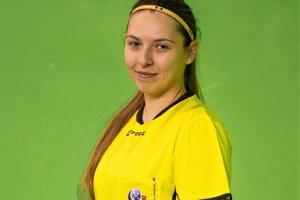 Anna Kolesárová je v súčasnosti florbalovou rozhodkyňou.