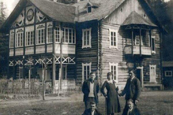 Zotavovňa Turistického spolku Priateľov prírody v Čermeli v roku 1930. Predtým chata Karola. Dnes je súčasťou areálu Alpinka, ale nevyužíva sa.