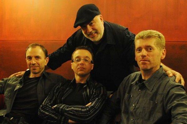 AMC Trio s Randym Breckerom.
