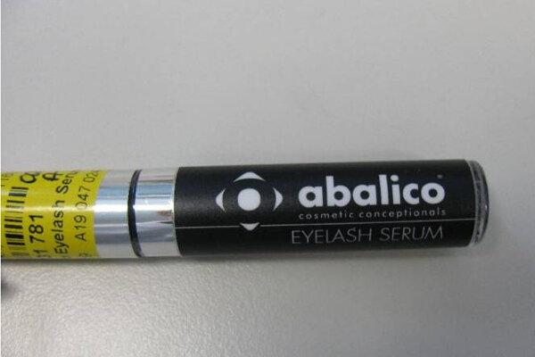 Sérum na rast rias Eyelash Serum značky abalico z Rakúska.