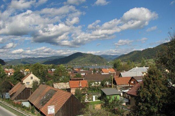 Strážov pri Žiline si zachoval vidiecky charakter.