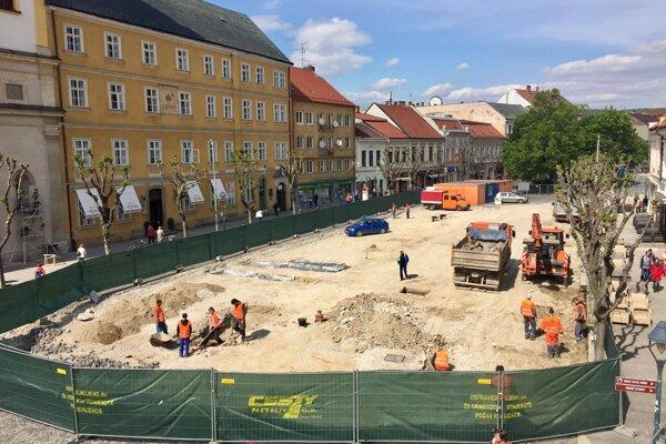 Rekonštrukcia Mierového námestia
