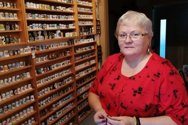 Ľubica Gregorová má vo svojej zbierke 1314 náprstkov.