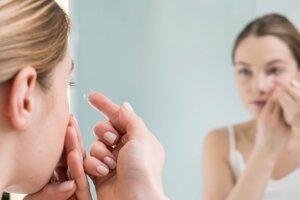 Odhaduje sa, že kontaktné šošovky používa asi 125 miliónov ľudí.