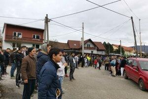 Na demonštráciu prišlo aj niekoľko stoviek osadníkov.