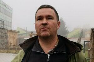 Ochranár Marek Leskovjanský. O osadenie balónov veľmi bojoval.