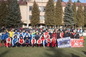 Spoločná fotografia tímov AC Štácia a FC Mesto