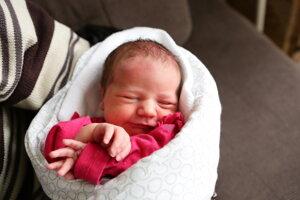 Júlia Bieliková (3640 g, 49 cm) sa narodila 25. decembra Michaele a Mariánovi z Omšenia.