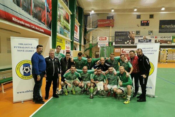 Víťaz turnaja FC Veľký Kýr