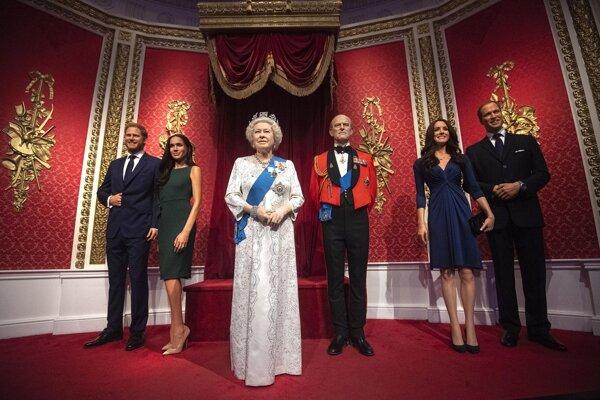 Voskové figuríny britskej kráľovskej rodiny.
