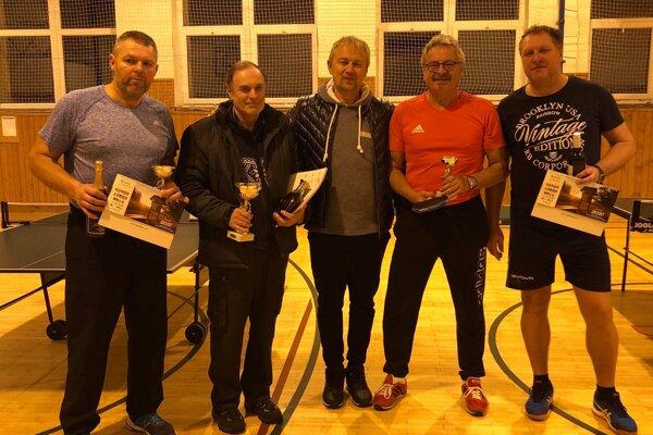 Ocenení hráči na novoročnom turnaji v Makove.