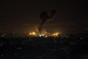 Explózia pri izraelskom útoku v pásme Gazy.