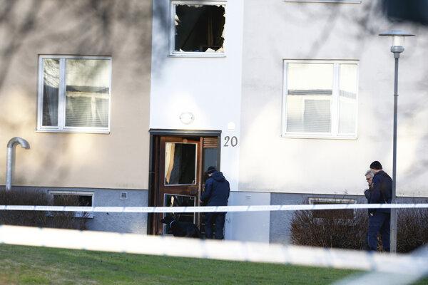 Explózia v obytnej budove povybíjala okná a spôsobila ďalšie škody.