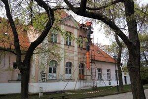 Budova Kalokagatie na Streleckej ulici vedľa City Areny.