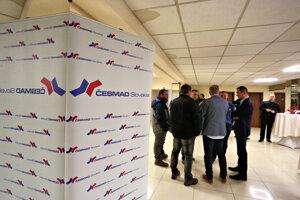 Atmosféra pred začiatkom celoslovenského stretnutia dopravcov i zástupcov Únie autodopravcov Slovenska (UNAS), ktoré sa konalo na pozvanie Združenia cestných dopravcov Slovenskej republiky - ČESMAD.