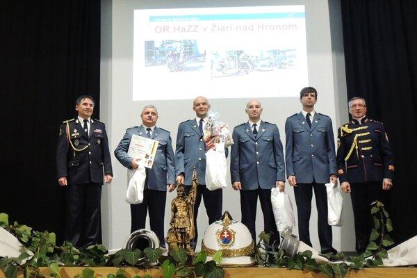 Za športové výkony ocenili začiatkom roka aj žiarskych hasičov.
