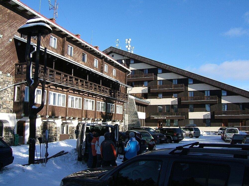Poľana Mountain hotel and HI hostel  (Carphatian Mountains, Slovakia)