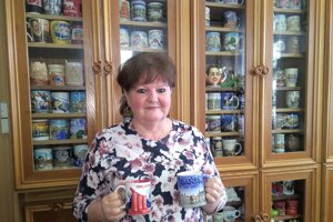 Starostka Klenovca má v kancelárii stovku hrnčekov z rôznych kútov sveta.
