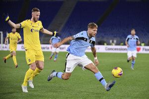 Ciro Immobile (vpravo) v dueli Lazio Rím - Hellas Verona.