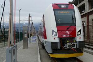 Železnice predstavili nový vlak.