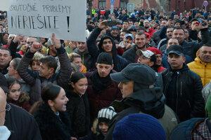 Účastníci protestu proti extrémizmu v Levoči organizovaného PS/Spolu.