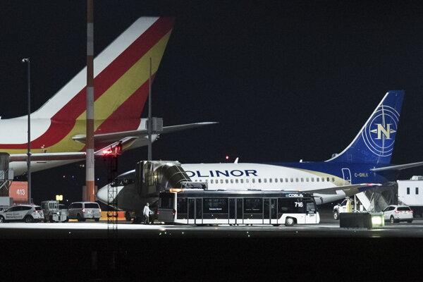 Lietadlo po pristátí.