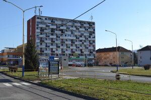 Chemlonský internát využíva mesto na byty a prenájom podnikateľom.