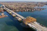 Pozrite si, ako pokračuje výstavba diaľničného mosta cez Dunaj