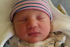 Tomáš Klepkoň (3350 g, 51 cm) sa narodil 6. januára rodičom Nikole a Tomášovi z Brezovice ako prvé bábätko.