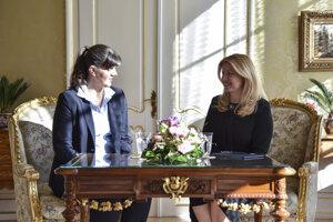 Hlavná európska prokurátorka Laura Codruta Kövesi na stretnutí s prezidentkou Zuzanou Čaputovou.