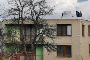 Dom nemala Júlia poistený. Vietor jej zobral strechu.