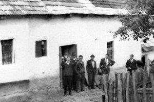 ilustračné foto - pred hostincom v Bukovinke.