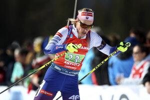 Terézia Poliaková počas štafety žien na MS v biatlone 2020.