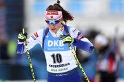 Paulína Fialková počas rozcvičky pred pretekmi s hromadným štartom na MS v biatlone 2020 v Anterselve.