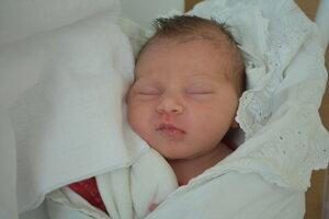 Lujza Chropeňová (3380 g, 49 cm) sa narodila 17. februára Monike a Michalovi z Topoľčian.