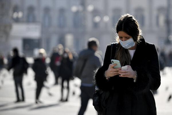 Obmedziť šírenie koronavírusu môžete aj pravidelným čistením svojich smartfónov.