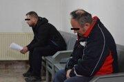 Vľavo Martin M, vpravo Milan H. na prešovskom súde.