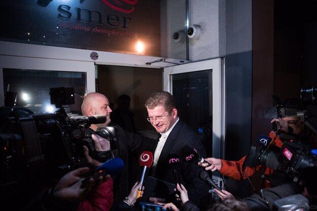 Voľby 2020: Do centrály zo Smeru prišiel Peter Žiga.
