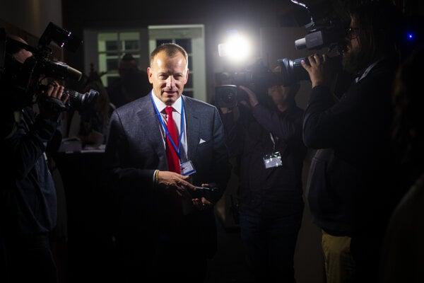 Líder hnutia Sme rodina Boris Kollár v centrále strany počas volebnej noci.