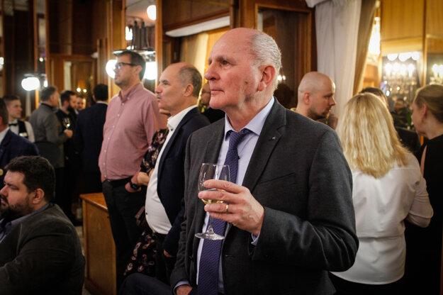 Voľby 2020: Stranu Za ľudí prišiel podporiť disident a bývalý politik František Mikloško.