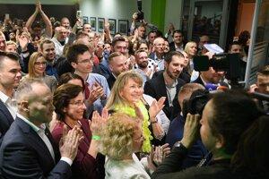 Voľby 2020: Atmosféra volebnej noci v centrále strany Sloboda a Solidarita.