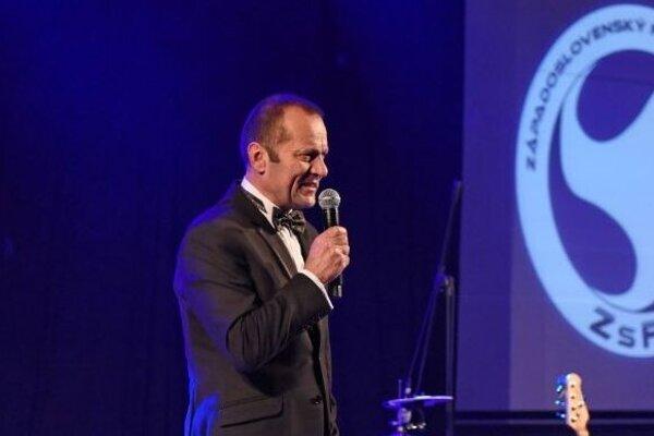 Predseda ZsFZ Ladislav Gádoši počas reprezentačného plesu, ktorý sa konal v úvode februára.